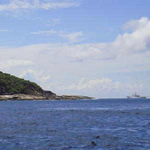 尖閣諸島中共の白い軍艦が侵入!海上保安官はのノイローゼに!国会は法改正を!