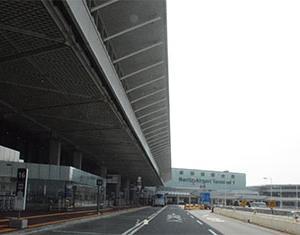 日本の空が危ない!本来なら大混雑する成田空港国際線の現実!航空貨物も激減!