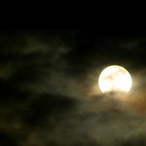 満月の夜に手放すものはチューイング?