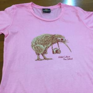 キウイのTシャツ