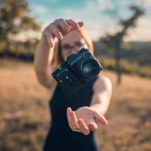 レイヤーを使って独自の合成写真を作る:写真を別の写真の中に配置する方法