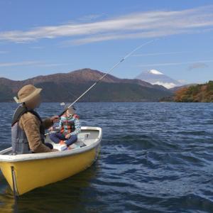 7歳、初めて釣れた!ワカサギ釣り 〜芦ノ湖〜