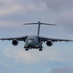 空自C-2輸送機。