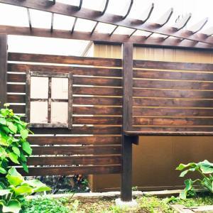 【小さな庭】パーゴラ付き目隠しフェンスDIYまとめ「製作費は約2万円」