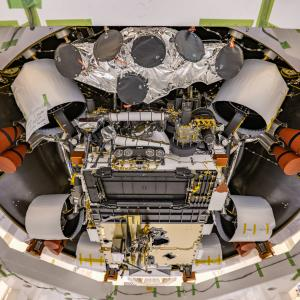 火星探査機のローバー「Perseverance (パーセベランス)」が降下ステージへの収納完了