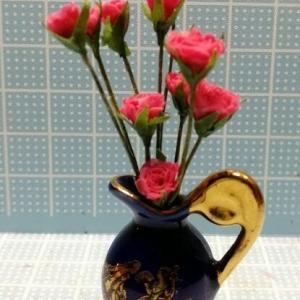 別の色のバラ