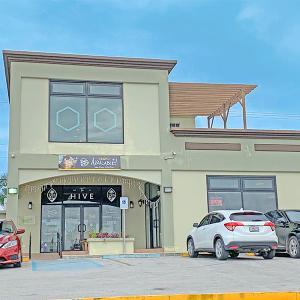 イマドキ女子が好きそうな大人なスポット発見♪グアムの新感覚カフェ「The Hive Guam」