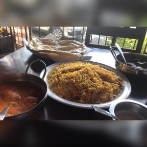 美味しいインド&パキスタン料理 Al merajへ