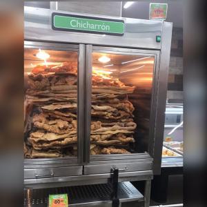 メキシコならではのスーパーでの一コマ