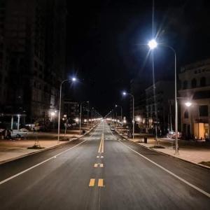 シハヌークビルロックダウンしている時 きれいな道が見られる。