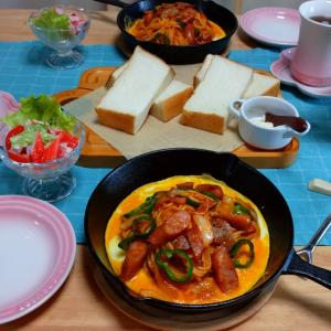 鉄板ナポリタンと乃が美の食パン