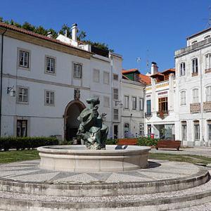 宮殿とアズレージョの旅ーアルコバサ修道院の楽しい彫刻達