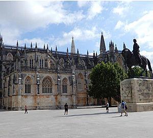 宮殿と僧院とアズレージョの旅ーバターリャ修道院