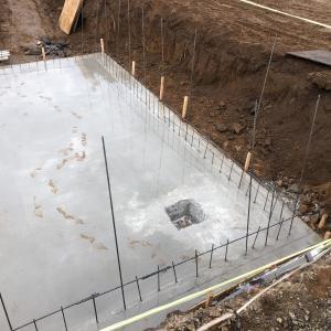 ログハウスのセルフビルド工事記録⑭ 基礎内の排水方法