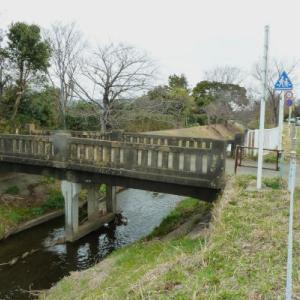 渋田川 3 川と道をつくった 透明レジンとKATOのさざ波