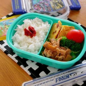 豚肉とメンマの甘辛炒め&コンビーフオムレツのお弁当