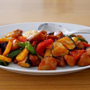 「米油」でカラフル夏野菜の酢豚