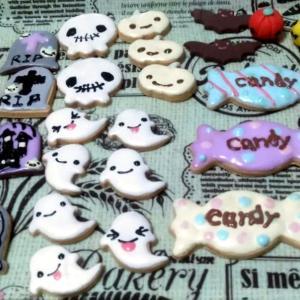 追加のハロウィンアイシングクッキー