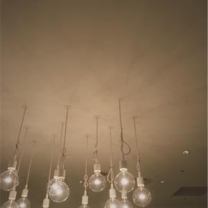 こういうペンダント照明を選ぶとかっこよく見える