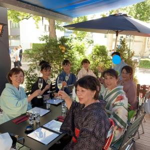7月の着物でランチ会はチューリッヒ中心部の人気のフレンチレストランで