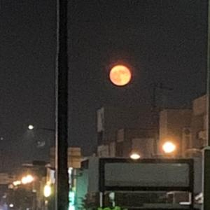 最近 赤い月多い