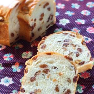 粉対比100%!生クリームレーズン食パン