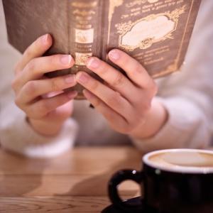 読書は若いうちに読むべき理由に共感者多数!ネットで話題に!