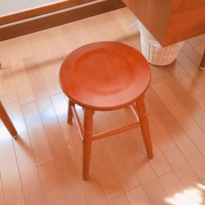 アトリエに椅子を買う