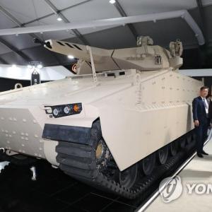 【レッドバック】 未来の装甲車をお披露目[10/16]