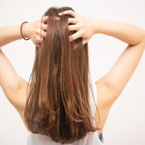 髪の毛の乾かし方、少し気をつけるだけでつやつやマイナス○才に!