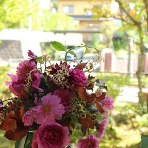 秋のフューシャピンクのブーケロン