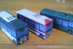 3台の芸陽バス