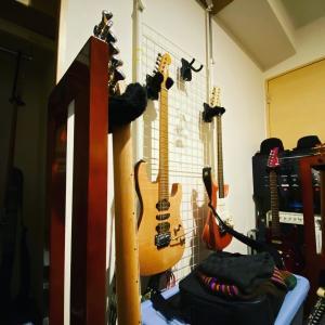 8本のギター。