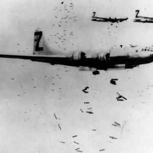 1945年8月1日、敵潜は卑劣にも北海道の鵜苫国民学校を砲撃し、校長先生が殉職!!の巻