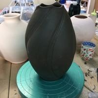 陶芸スクール 展示会準備へ本格化、大物作品の製作