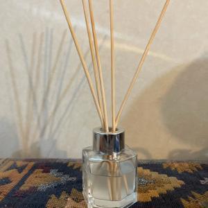 精油だけでつくる、優しい香りのリードディフューザー