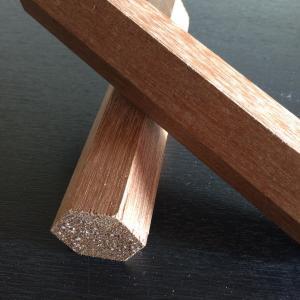 素材 アピトン材の特徴