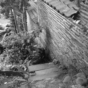 待乳山聖天の江戸時代から残る築地塀