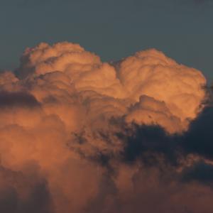 物干し台から見た雲