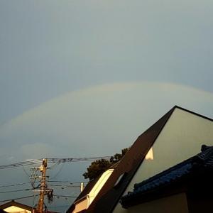 ザーザー雨が上がり虹が見えました!