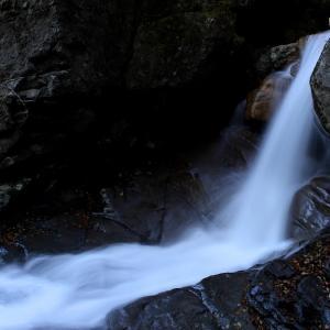 紅葉の杉田川渓谷,滝巡り  (遠藤ヶ滝)