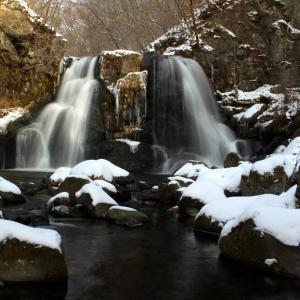 冬ざれ少雪の羽鳥湖高原・明神滝 ④