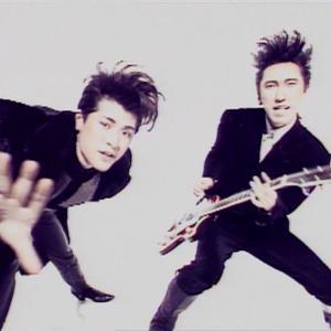 【悲報】布袋さんギターがないと何もできないwww