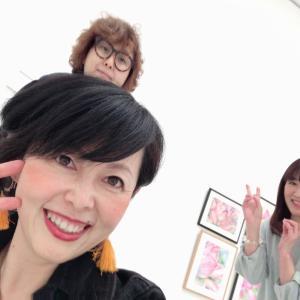 本音でわかちあえる人 ブルーの世界 〜瑞恵・萩原哲夫2人展にて〜