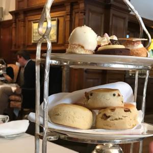 イギリスのBROWN'S HOTELで最高のアフタヌーンティー体験記【ENGLISH TEA ROOMに訪問】