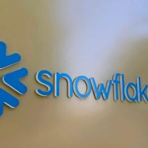 スノーフレイク【SNOW】が上場!バフェットやセールスフォースが出資|時価総額は3.5兆円に!?