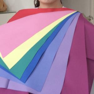 《30代からのカラードレスの選び方》サマーの方にオススメ!スモーキーカラーで大人の魅力を演出