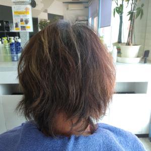 根元の白髪を目立ちにくくする方法