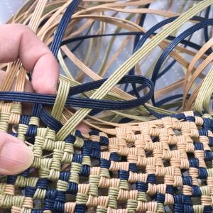 石畳み編みの、「重ならない始末の方法」。