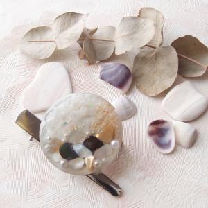 【UVレジン作り方】モノクロ貝殻のブローチの作り方
